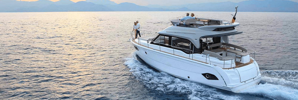 Bavaria E40 Flybridge
