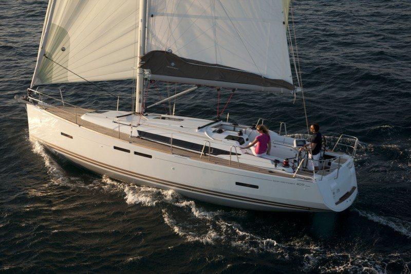 Jeanneau 409 newport for sale