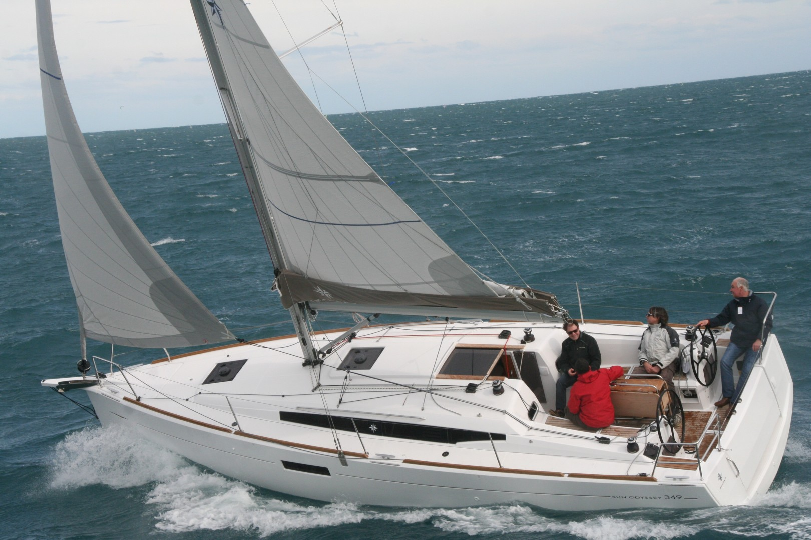 Boat of the Year Jeanneau 349