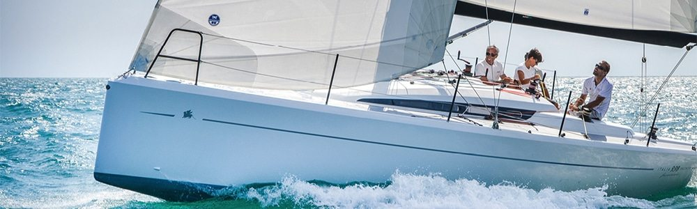 Italia 9.98 / 34 yacht for sale