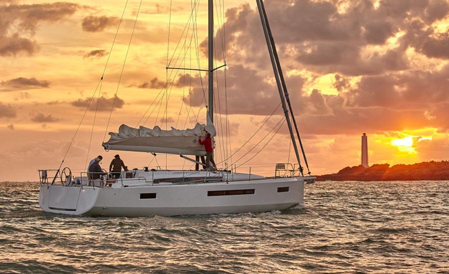 Jeanneau Sun Odyssey 490 cruising