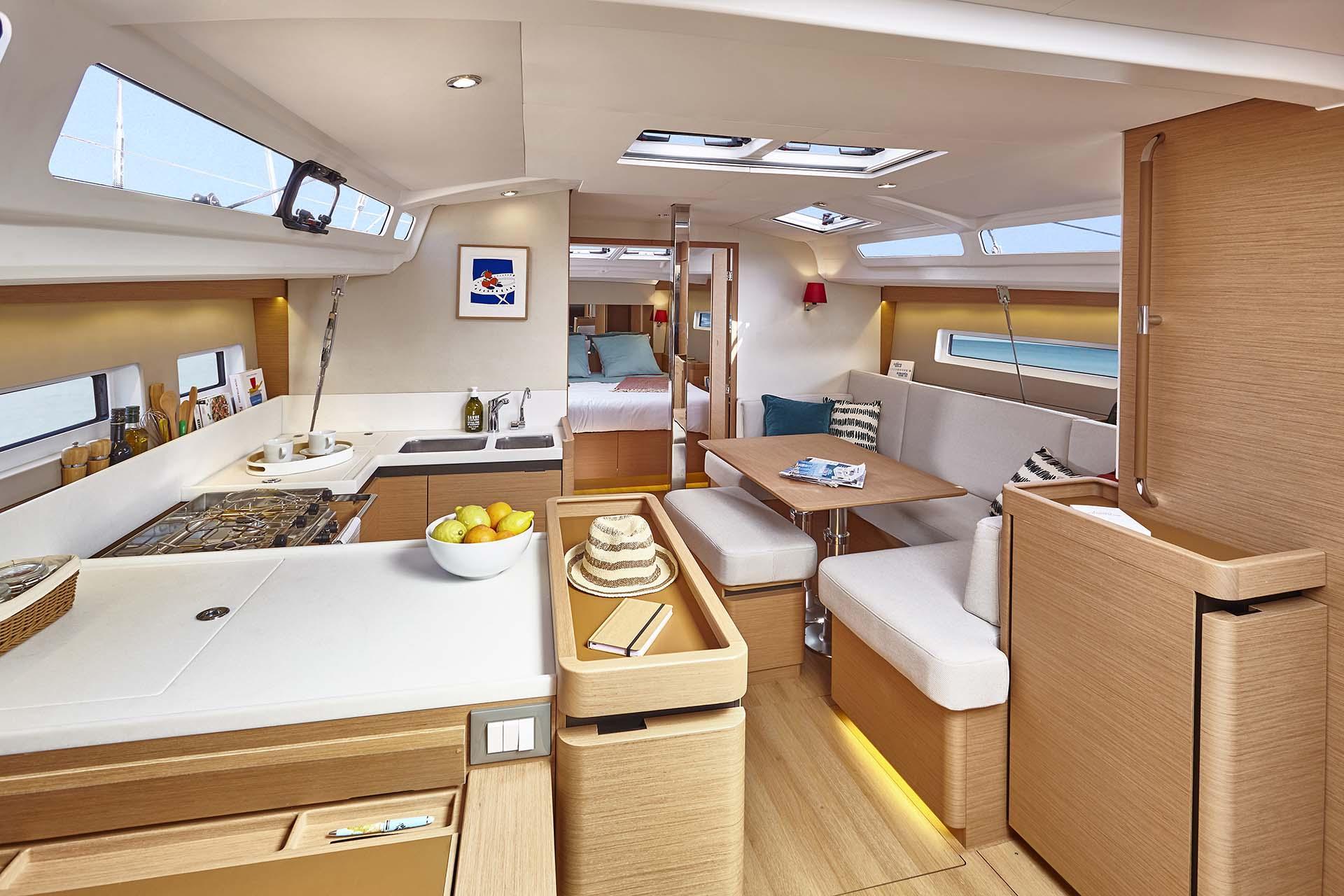 Jeanneau Sun Odyssey 440 Interior