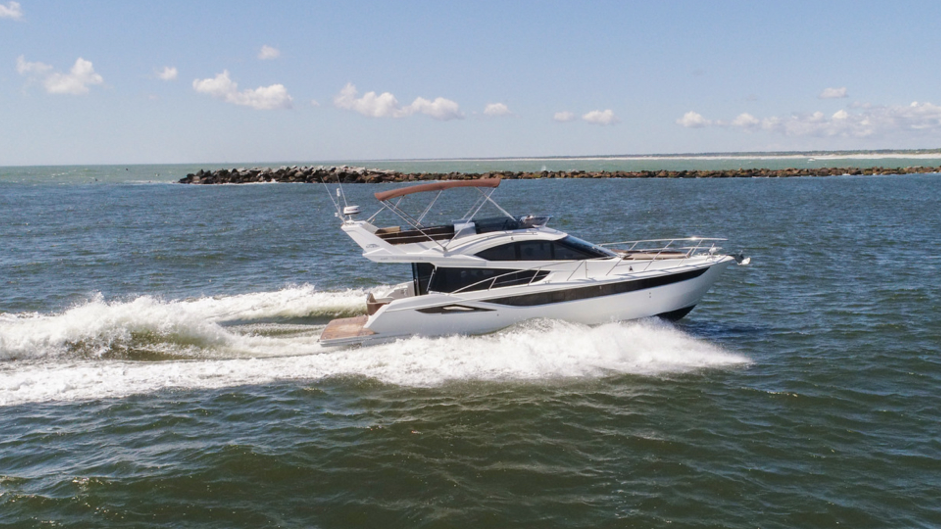 Galeon Powerboat